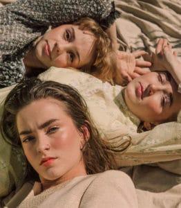 les-soeurs-eyes-lips-face