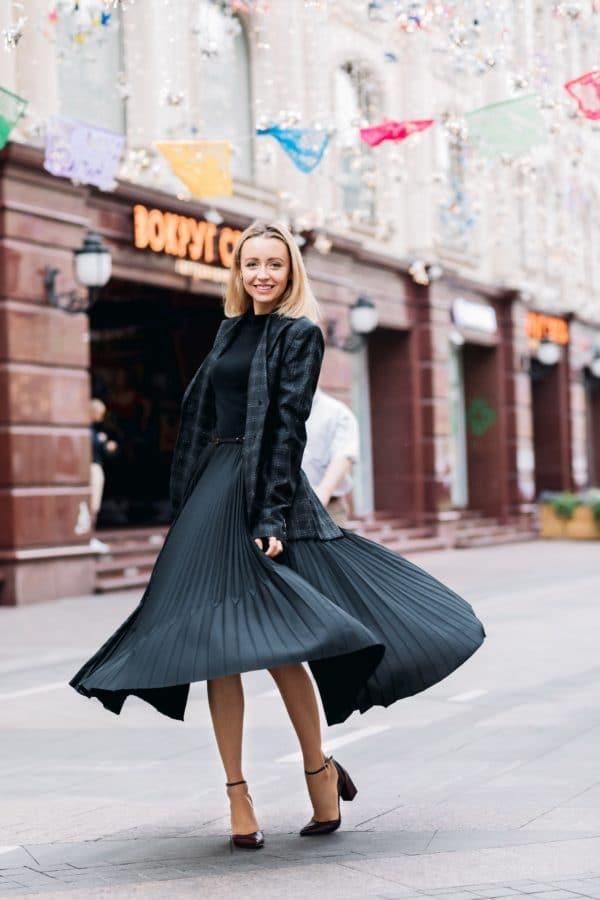 robe noire pour morphologie en V
