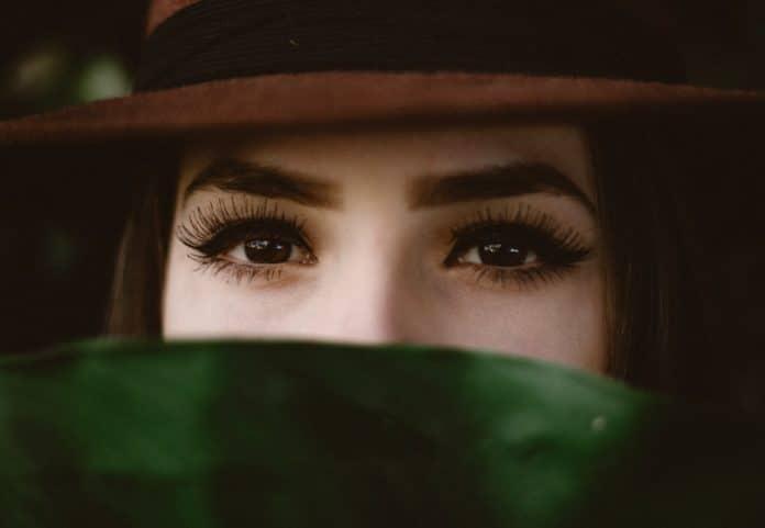 Maquillage yeux : technique et conseils pour bien maquiller ses yeux
