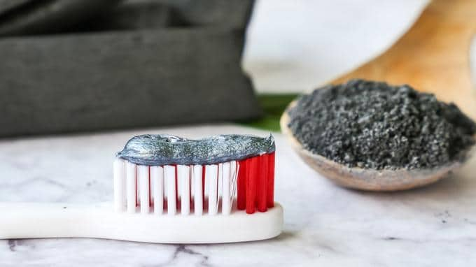 Comment se blanchir les dents avec Bbryance?