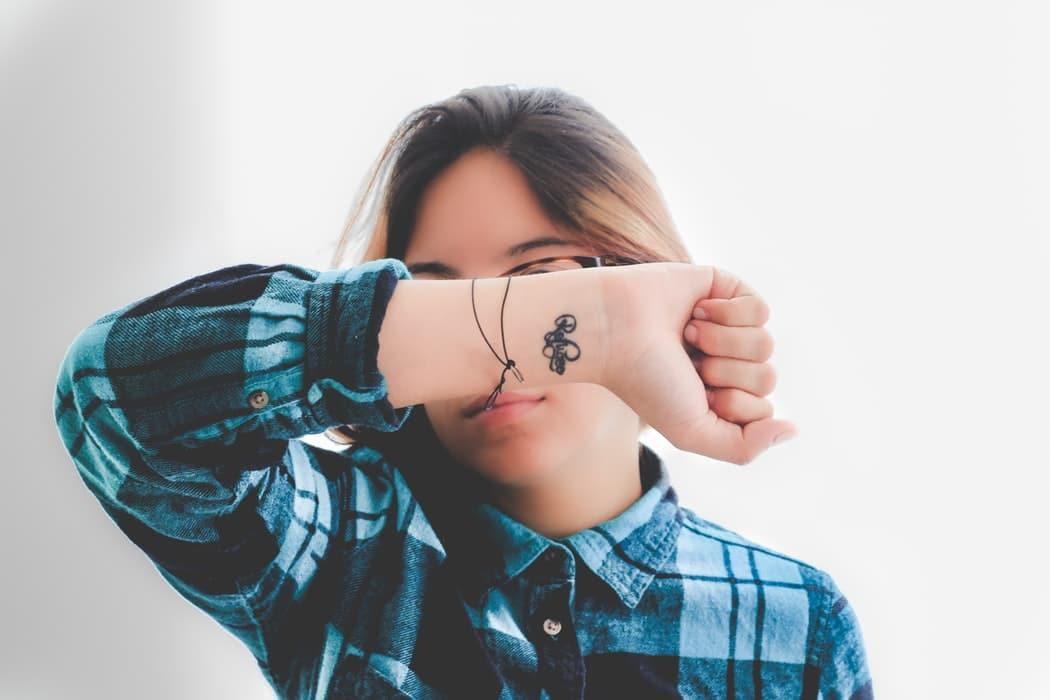 tatouage poignet les idees les plus tendances-2
