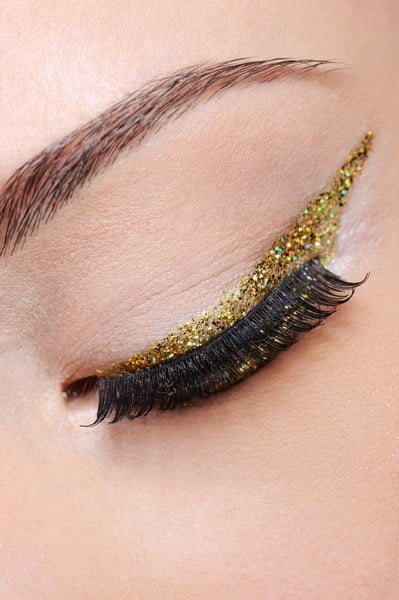 Maquillage yeux marron : couleurs, techniques…toutes les astuces pour le réussir