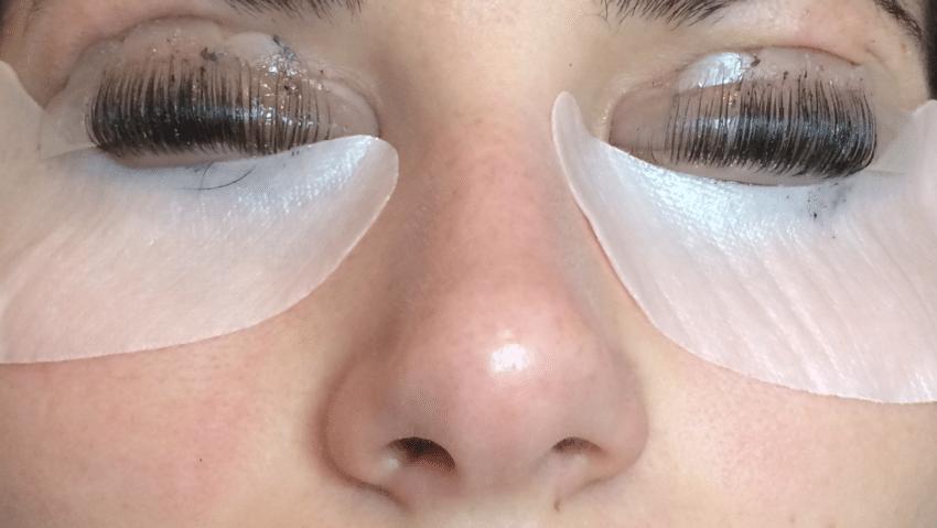Mascara semi-permanent: comment ça fonctionne?