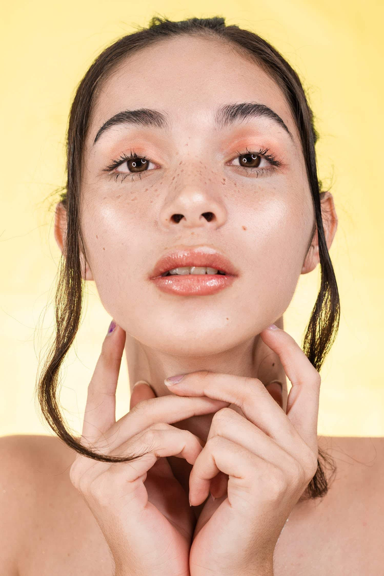 Fond-de-teint-anti-acné-comment-bien-choisir-comment-l'appliquer