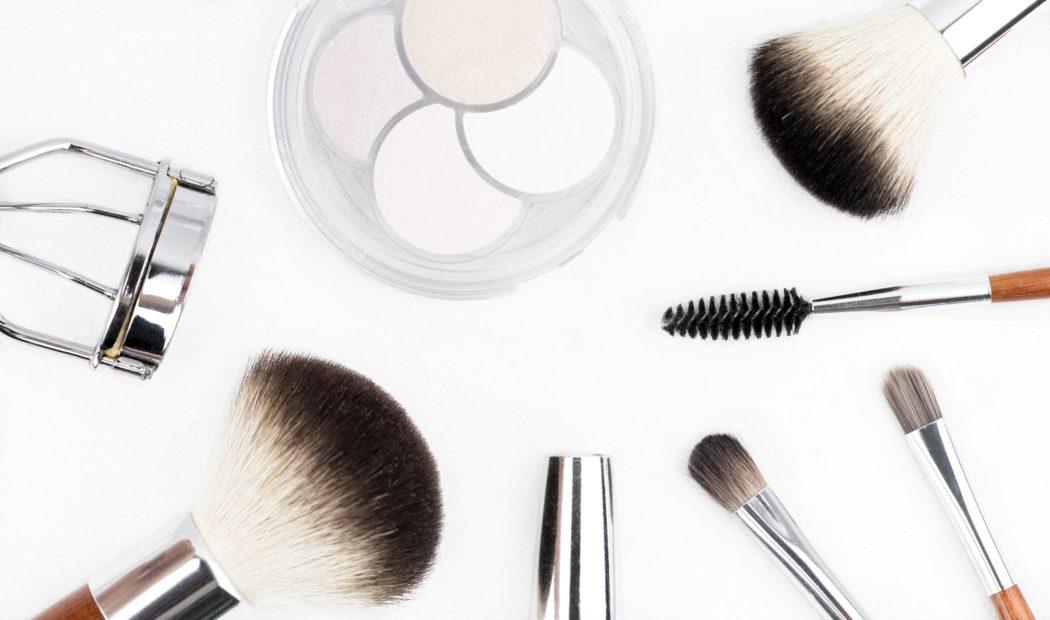 Poudre maquillage comment choisir et comment bien l'appliquer