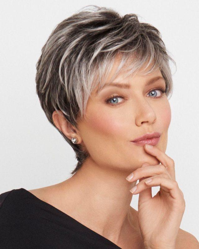 coupe femme moderne de 50ans