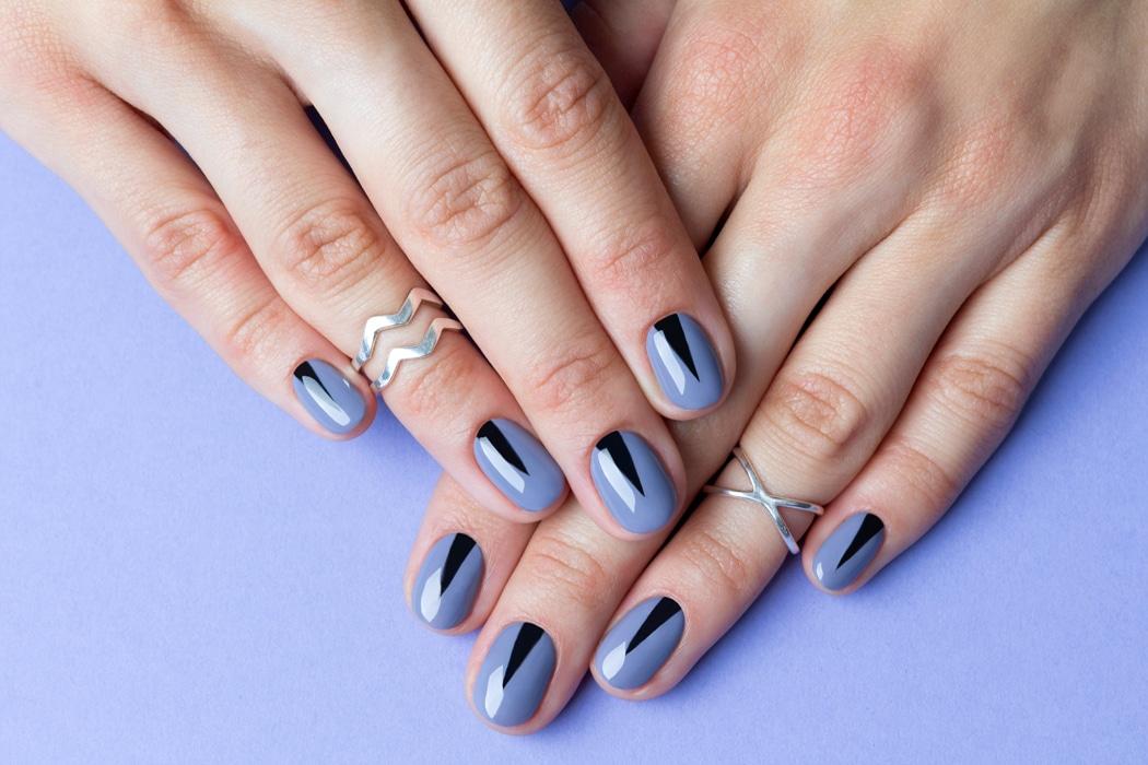 nail art triangle.jpg