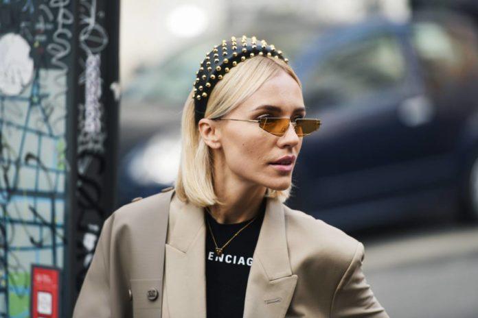 Bandeau cheveux, lunettes, sacs… Comment accessoiriser vos looks cet été ?