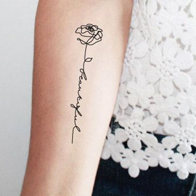 tatuaje rosa mujer