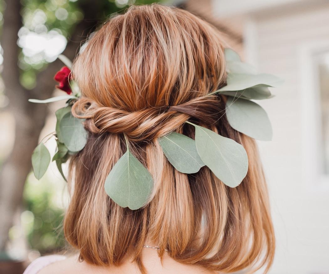 10 Idees De Coiffures De Mariage Pour Cheveux Mi Longs