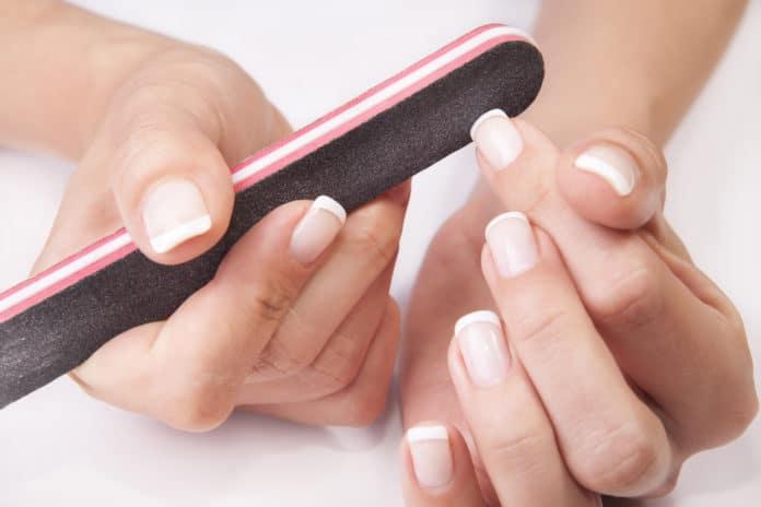 Bien limer ses ongles la méthode, les outils, etc. (2)