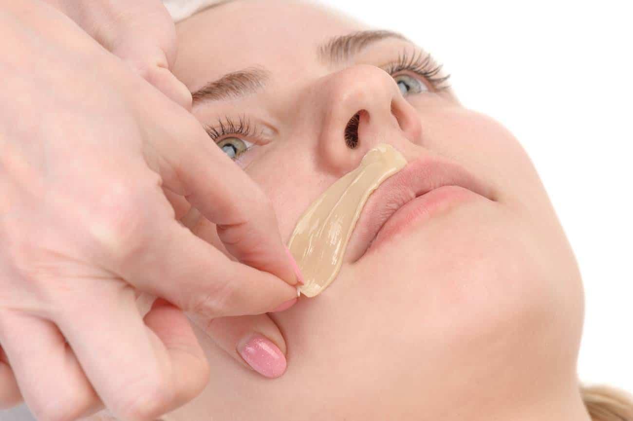 Les meilleures techniques d'épilation pour le visage