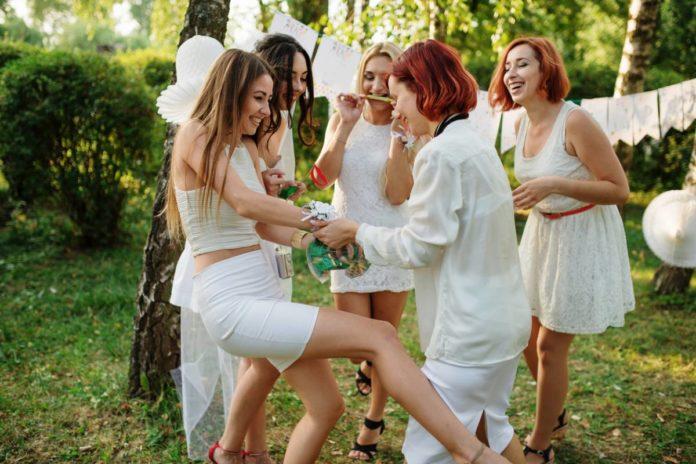 Témoin de la mariée : organiser l'EVJF