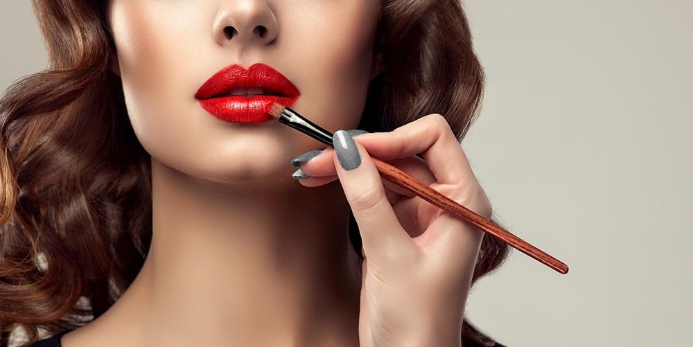 5 codes du maquillage de pin-up