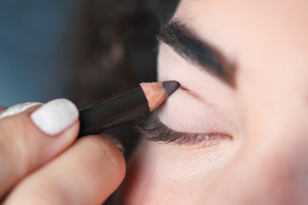 faire un maquillage cut crease
