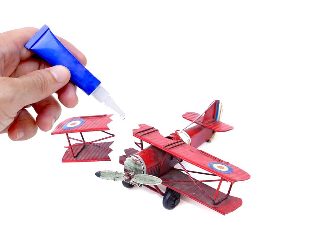 Que réparer à la super glue ? Quel matériau ?