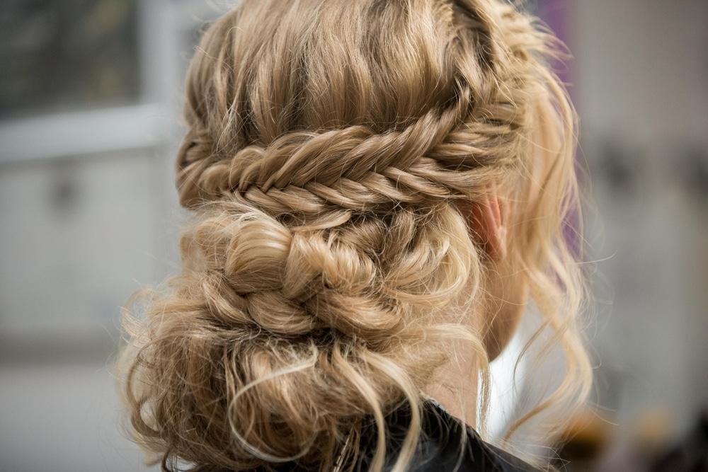 coiffure d'invitée de mariage
