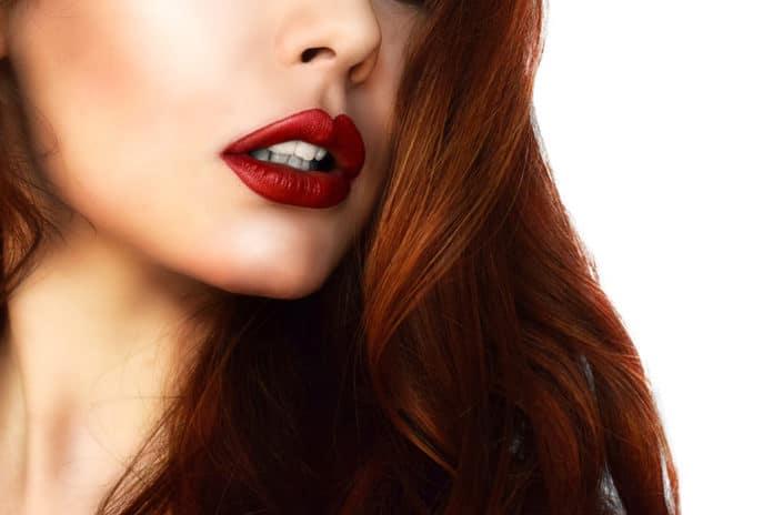 Coloration auburn pour qui conseils et faux pas à éviter
