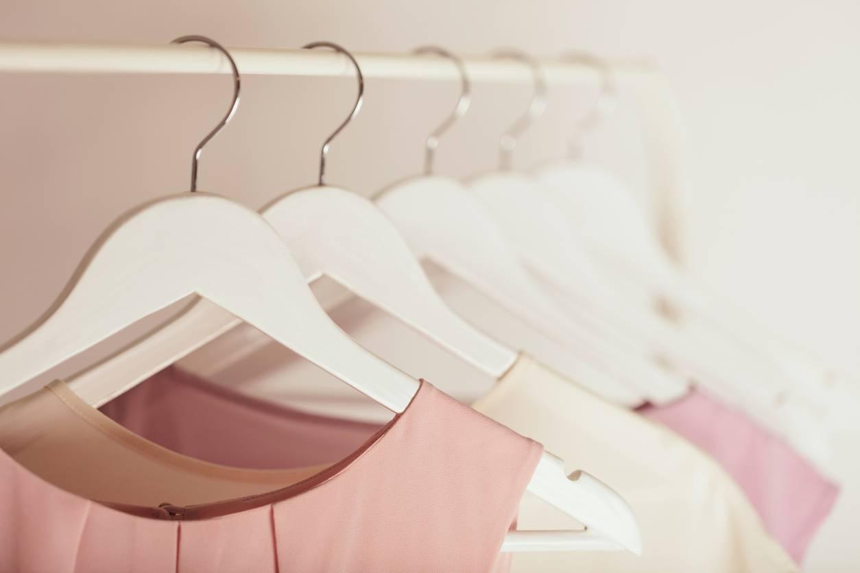 Comment porter les vêtements aux couleurs pastel ?